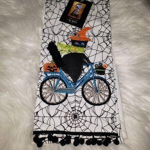 NWT Cynthia Rowley Halloween Kitchen Towels